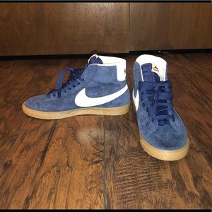 Nike Blazers Blue Suede Shoes.